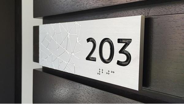 酒店楼层标识标牌设计应避免这些点